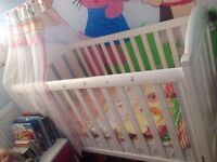 Baby's Cot with Mattress and baby Bedding Set (Used)