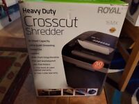 Royal crosscut shredder