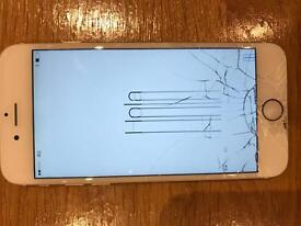 Faulty • Cracked Screen - iPhone 6 (16GB) in Gold on EE