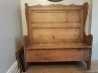 Period style pine storage bench/settle