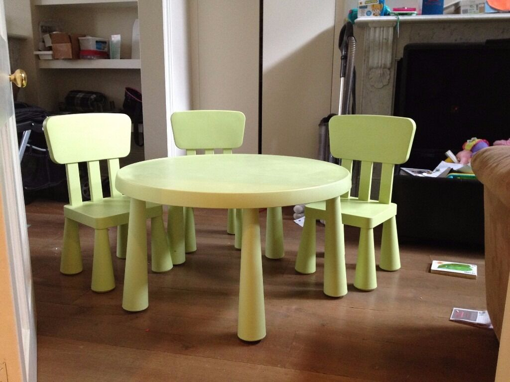 Ikea mammut light green kids table with 3 chairs in for Kids sitting furniture