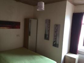 Room for rent in Cv24hs,( bills included, close to town and coventry university)