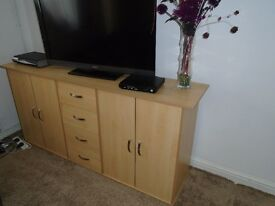 MODERN LIGHT BEECH SIDEBOARD WITH DRAWERS.