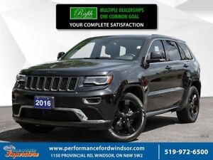 2016 Jeep Grand Cherokee Overland ***Triple black, panoramic roo