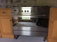 Range Cooker. Gas hob, electric oven. 90cm wide