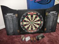 Darts , Board and Cabinet