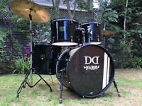Beginner Drum Kit - With Pearl Cymbal - Excellent