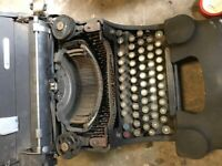 OLIVETTI MANUAL TYPEWRITER ANTIQUE SPARES OR REPAIR HEAVY COLLECTABLES