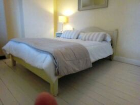 Double Room available 3minutes walk from Stamford town centre