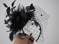 Navy Fascinator - perfect condition - in box £15