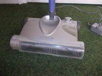 Gtech rechargable floor cleaner very good condition