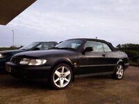 Black Saab 900 SE 2.3 Convertible