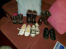 Child's clothes . shoes etc