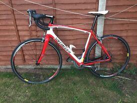 Full Carbon Specialised Roubaix road bike