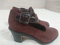 GREAT CONDITION UNIQUE Clarks size 5 1/2 burgundy suede heels