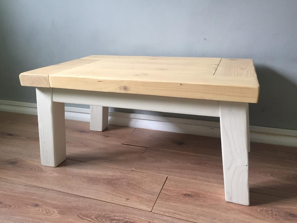 Farmhouse style country coffee table - reclaimed wood