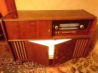 Late 1960 German Radiogram Valve Radio L/M/FM working with record deck and drinks cabinet