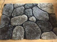 Good quality rug (large)