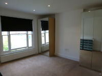 A TWO DOUBLE BEDROOM FLAT WITH GARDEN & PARKING CLOSE TO NEW BARNET STATION & MAJOR SHOPS