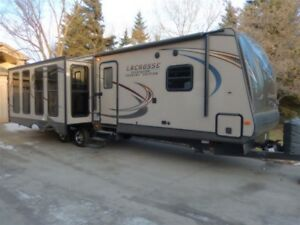 2015 LaCrosse Luxury Lite 324 - Leduc RV Dealer