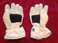 White children ski gloves