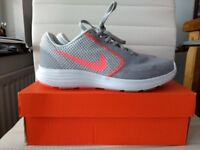 Nike Revolution 3 - UK Size 5