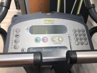 Technogym xt 600 pro commercial cycle machine