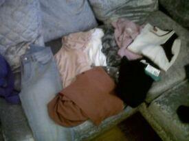 Ladies / teen clothes bundle 40 items