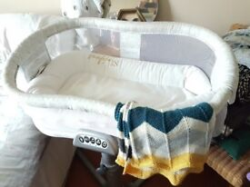Halo Bassinest Swivel Sleeper /Adjustable infant baby cot bed crib bassinet White / next to me bed