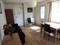 Claude Road, Roath, 2 bedroom Ground floor flat ** Private Garden**