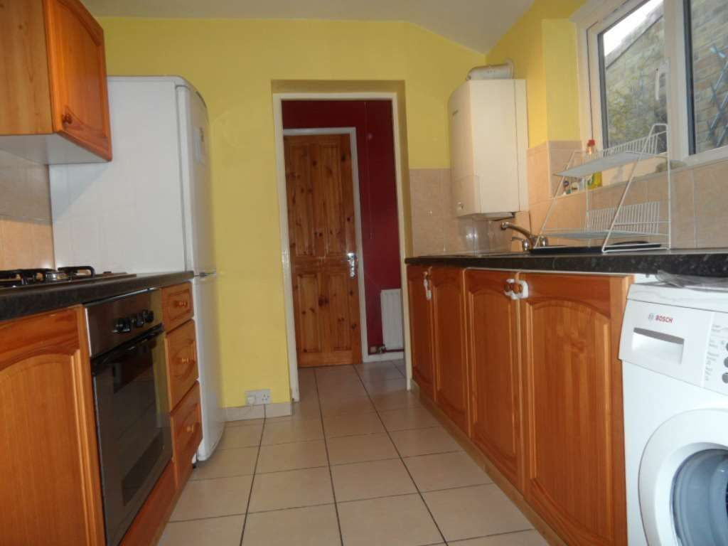 Breath Taking 2 Bedroom House in the heart of Plaistow, E13