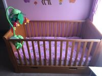 OBaby cot bed with drawer and mattress