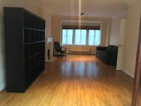 Three bed House to let in Stanmore!! with parking!! Fees Apply !