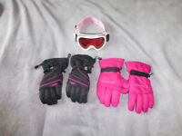 Ski gloves and goggles