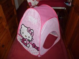 Hello Kitty pop-up tent