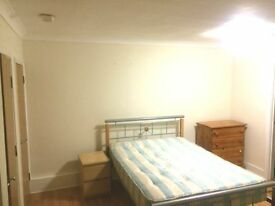 **GROUND FLOOR STUDIO FLAT - ALL BILLS INCLUSIVE, EXCEPT COUNCIL TAX**