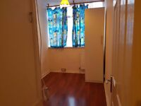 4 rooms available in a house in zone 2 !!