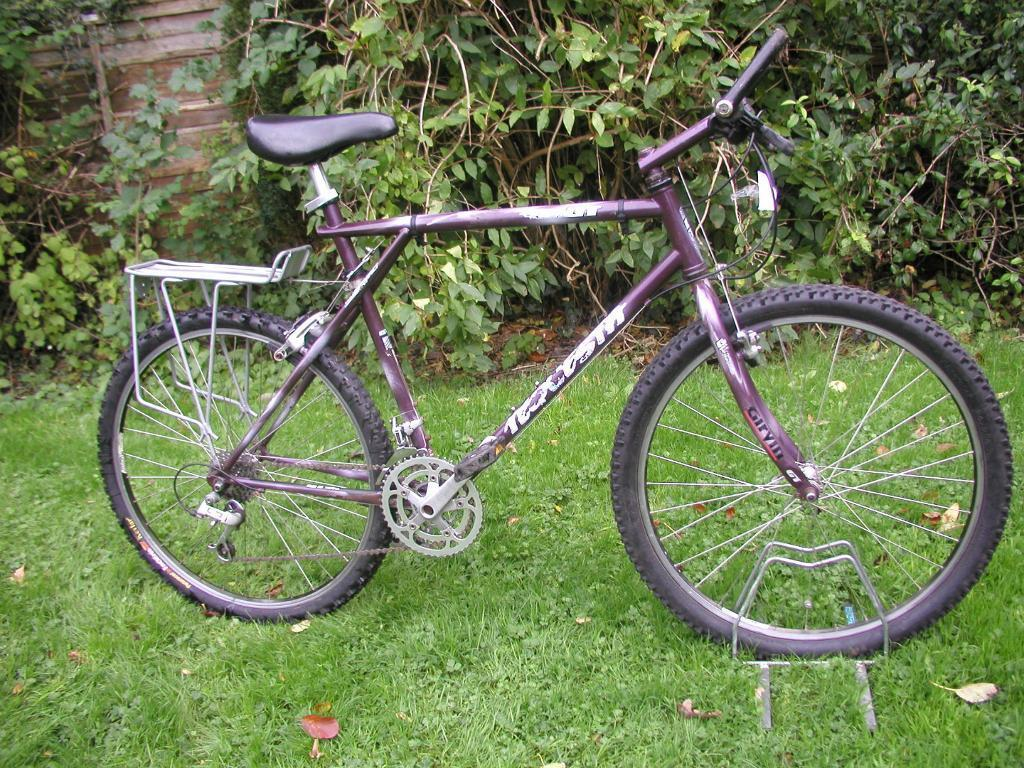 gt bike,21 speed,runs well 22 inch frame,classic cycle