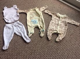 INFANT'S CLOTHES - 4 items