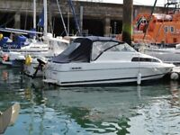 Bayliner 2252 Ciera Express 5l V7 Mercruiser engine with new chartplotter, tender & recent service