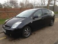 Toyota Prius Black 06 reg for £2000