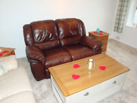 Beautiful Brown Leather Recliner Sofa (Lazyboy style)
