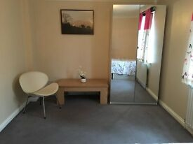 Very nice double room in secured and modern flat here in Stepney Green . 1 min away from station