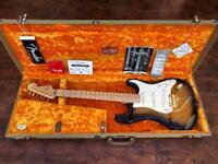 Fender American Deluxe 50th Anniversary Stratocaster 2004 Sunburst, Tweed Case