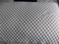 TEMPUR PILLOW