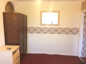 FY1 area one bedroom flat avaiab