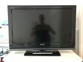 Sony Bravia 32in TV, oldish tv but in very good condition