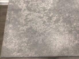 Breakfast bar / kitchen worktop
