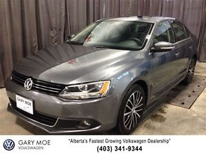 2013 Volkswagen Jetta Highline w/Heated Leather Seats and Blueto