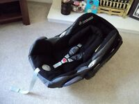 maxi cosi cabriofix carseat 0-13kg with suncover, new born cushion and chest pads